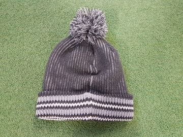 Picture of Mizuno Mens Bobble Hat - Light Grey