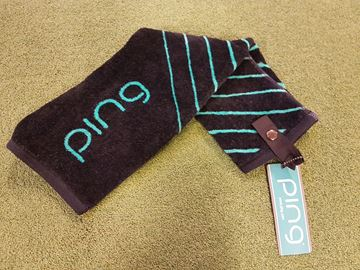 Picture of Ping Ladies Tri-Fold Towel - Black/Green
